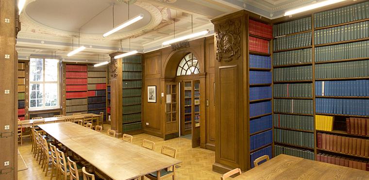 جامعة كامبريدج Cambridge  في بريطانيا